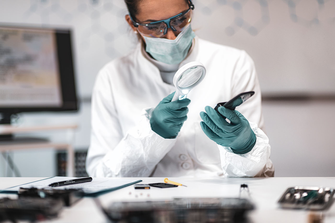 How To Become A Forensic Science Technician Career And Salary Information